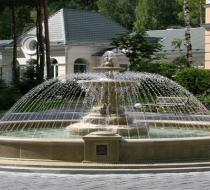 Уличный фонтан 2